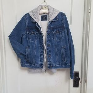 Abercrombie and Fitch EUC hooded jean jacket